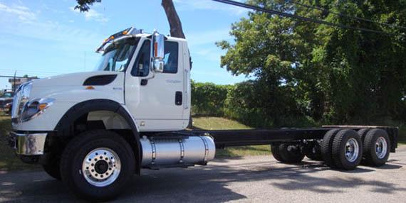 Standard Semi Truck - White
