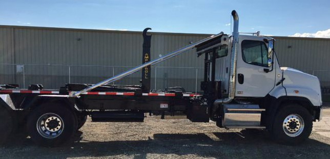 2019 Freightliner 114SD with 50000 pound ampliroll hooklift