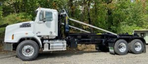 Side View of 2021 Western Star with Ampliroll AL160 - 65000 lbs Hooklift